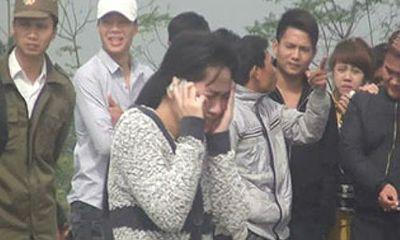 Clip: Phát hiện thi thể bị thiêu cháy cạnh nghĩa trang ở Hà Nội