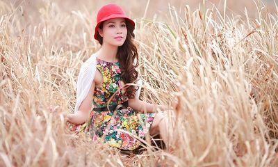 Bảo Trúc bâng khuâng đồng cỏ chiều Đà Lạt