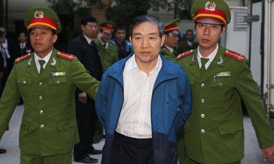Clip: Những hình ảnh nóng nhất vụ xét xử Dương Chí Dũng