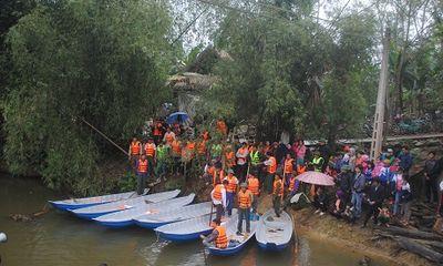 Hỗ trợ 10 thuyền cứu hộ cho người dân vùng lũ Hà Tĩnh