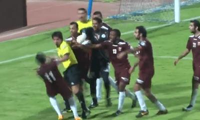 Video: Những tình huống trọng tài tẩn cầu thủ