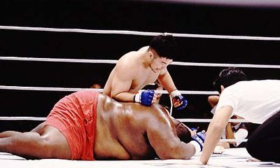 Video: Võ sỹ 76kg hạ knock-out đối thủ nặng 272kg