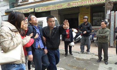 Clip: Nghi phạm tự sát sau khi giết chết 2 người ở Hà Nội