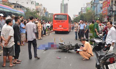 Va chạm với xe buýt, nữ sinh bị xe khách cán chết