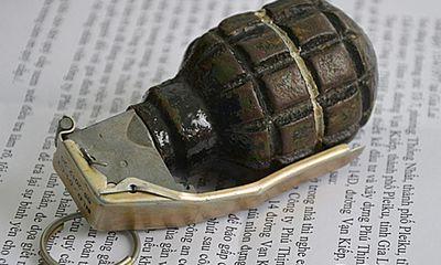Đặt lựu đạn, kim tiêm trước cổng nhà để tống tiền 2 tỷ