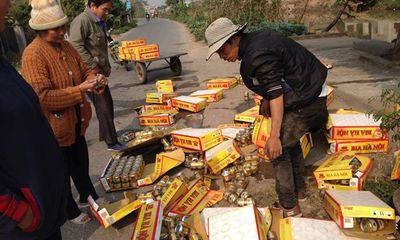 Lật xe bia, người dân Nam Định không