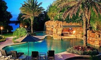 Cận cảnh những bể bơi đẹp như mơ của sao Hollywood