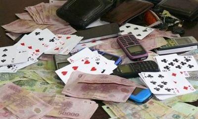 5 hiệu trưởng, giáo viên bị bắt khi đang đánh bạc