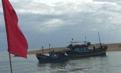 Tàu thuyền đồng loạt mở biển hướng Trường Sa, Hoàng Sa
