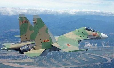 """Su-30MK2 Việt Nam hoàn toàn """"trên cơ"""" J-15 Trung Quốc"""