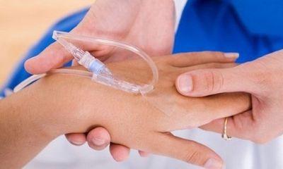 Điều dưỡng tiêm thuốc mê cưỡng hiếp nữ sinh thực tập