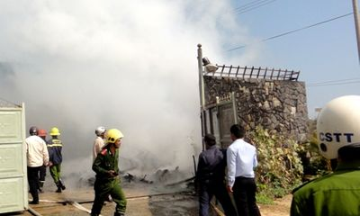Cháy lớn ở XN môi trường đô thị Đà Nẵng, nhiều người hoảng sợ