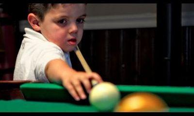 Video: Thần đồng bi-a 5 tuổi khiến nước Mỹ phát sốt