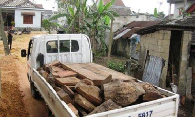 Huế: Nhiều gỗ quý bị phát hiện và bắt giữ trong nhà dân