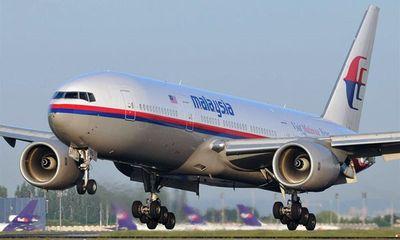 Vết dầu loang nghi của máy bay mất tích kéo dài 80km