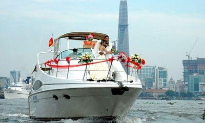 Rộ mốt thuê du thuyền chụp ảnh cưới, rước dâu