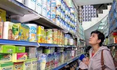Loạn giá sữa bán lẻ: Người tiêu dùng nên cẩn trọng