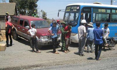 Truy bắt nhóm côn đồ chặn đầu xe buýt, đánh tài xế