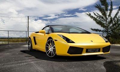 """Chiêm ngưỡng màn """"xé gió"""" của siêu xe Lamborghini Gallardo Spyder"""