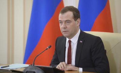 "Thủ tướng Nga thăm Crimea, Ukraine ""nóng mặt"""