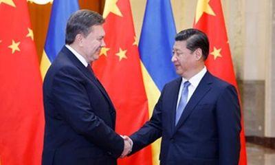 Tổng thống Yanukovich bị lật đổ vì…tàu sân bay Trung Quốc?