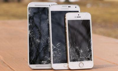 One 2014 iPhone 5S và Galaxy S5 - Smartphone nào bền hơn?