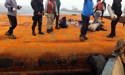 Hà Tĩnh: Tìm thấy thi thể nạn nhân vụ lật sà lan