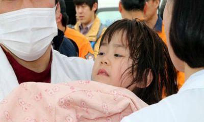 Chìm tàu Hàn Quốc: Đau xót bé gái mất cả gia đình