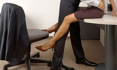 Vợ quan hệ mờ ám với nam đồng nghiệp