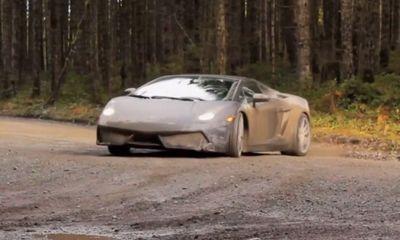 """Siêu xe Lamborghini Gallardo và màn """"khuấy gió"""" xuyên rừng"""