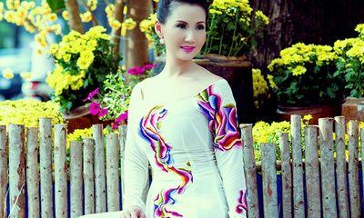 Hoa hậu quý bà Sương Đặng khoe nhan sắc rạng rỡ