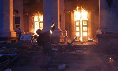 Cánh hữu thiêu sống 42 người ở Nhà Công đoàn Odessa