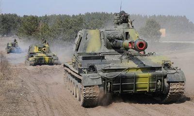 Xe tăng quân đội Ukraina tấn công thị trấn Kramatorsk