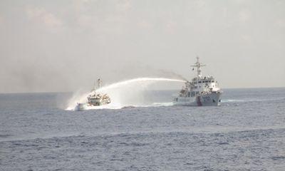 Chùm ảnh mới nhất về hành động hung hăng của tàu Trung Quốc