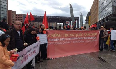 Việt kiều khắp thế giới phản đối Trung Quốc xâm chiếm Biển Đông
