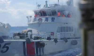 Cận cảnh tàu Trung Quốc rượt đuổi, đâm húc tàu Việt Nam