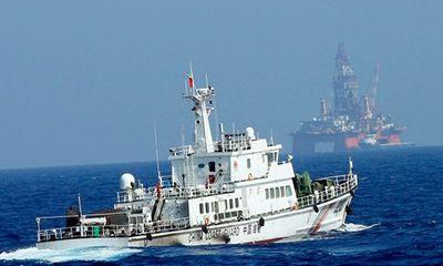"""""""Bắc Kinh phủ bóng vũ lực trên Biển Đông"""""""