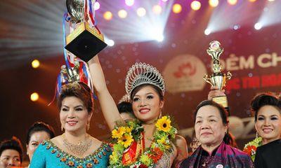 Chuyện chưa biết về Hoa hậu Việt đầu tiên trả vương miện