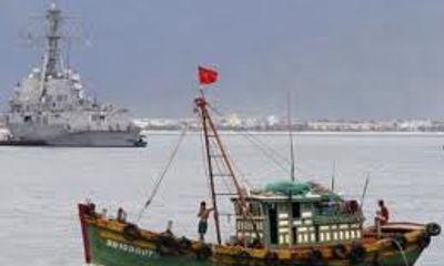 Tàu cá Quảng Ngãi tiếp tục bị tàu Trung Quốc tấn công