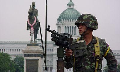 """Quân đội Thái Lan trở lại với """"truyền thống đảo chính"""""""