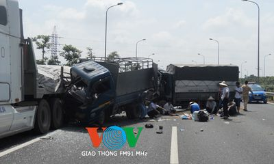Tai nạn liên hoàn trên Đại lộ Thăng Long, 4 người thương vong