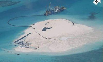Báo động đỏ: Trung Quốc xây sân bay, quân cảng ở Trường Sa