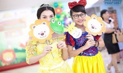 Trà Ngọc Hằng làm công chúa Disney vui chơi với trẻ nhỏ ngày 1/6