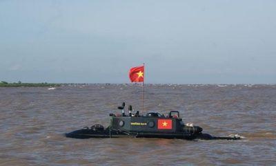 Tàu ngầm Trường Sa gặp sự cố trên biển vì gãy chân vịt
