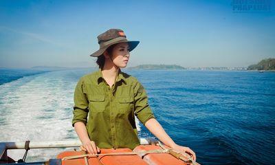 Hoa hậu Ngọc Hân thăm, tặng quà cho ngư dân huyện đảo Lý Sơn