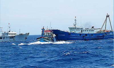 Tình hình Biển Đông 16/6: Gần 40 tàu TQ điên cuồng vây ép tàu VN