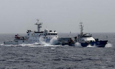 Tình hình Biển Đông 21/6: Tàu hải giám mở hết tốc lực đâm tàu CSB