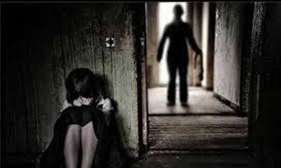 Hận chồng phụ tình, vợ trẻ tố cáo tội