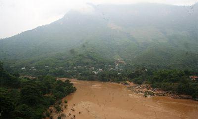 Mưa lớn, huyện miền núi Thanh Hóa bị cô lập