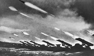 """5 """"vũ khí huyền thoại"""" của Liên bang Xô viết"""